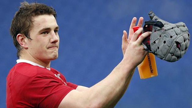 Wales' Jonathan Davies celebrates their win at the end of their Six Nations (Reuters)