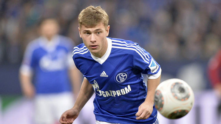 Schalke's young talent Max Meyer runs for the ball during the German Bundesliga soccer match between FC Schalke 04 and SV Hannover 96 in Gelsenkirchen,  Germany, Sunday, Feb. 9, 2014