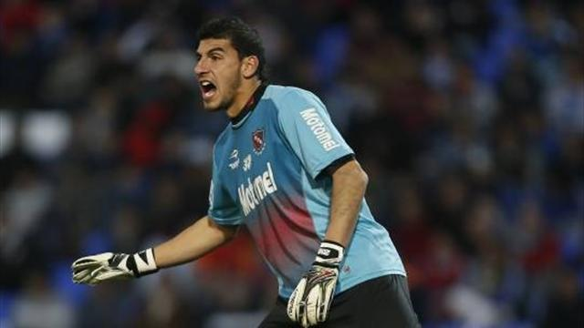Liga - Spanish transfer round-up: Barca close on keeper