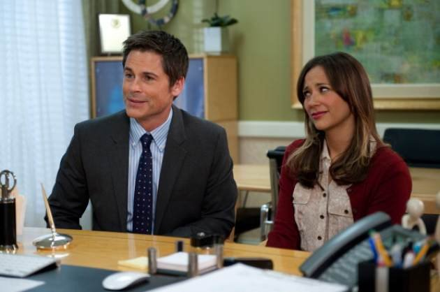Rob Lowe and Rashida Jones in