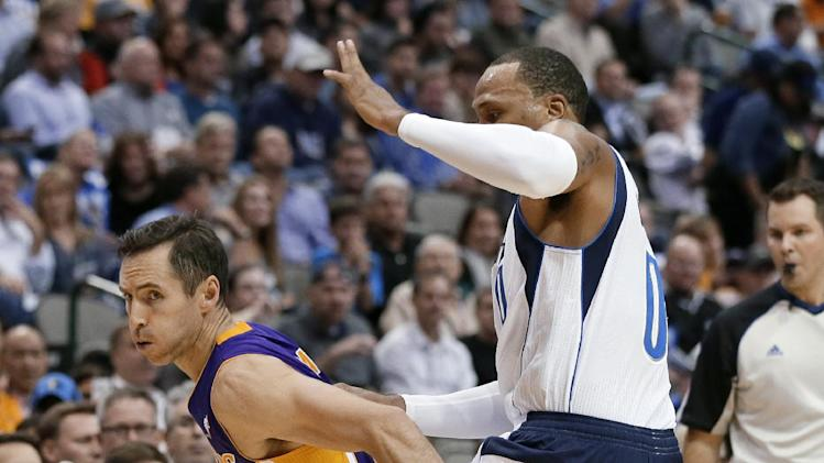 Ellis has 30 points as Mavs rout Lakers 123-104