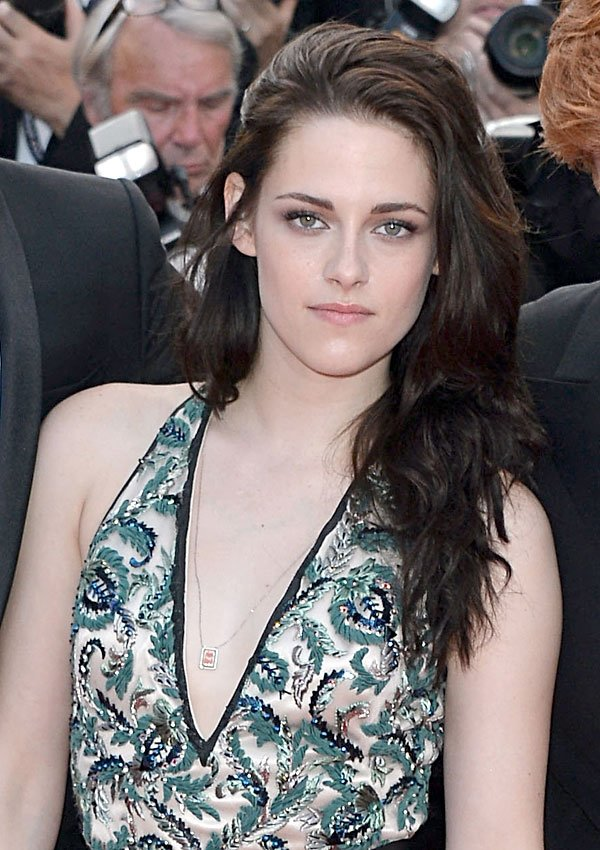 Kristen Stewart Wore Soft, Smoky Makeup For 'On The Road' Premiere — Get Her Look