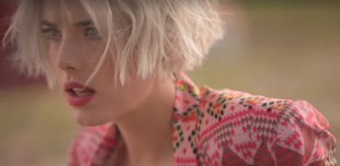 WATCH Agyness Deyn Dance Her Socks Off For Rebecca Minkoff