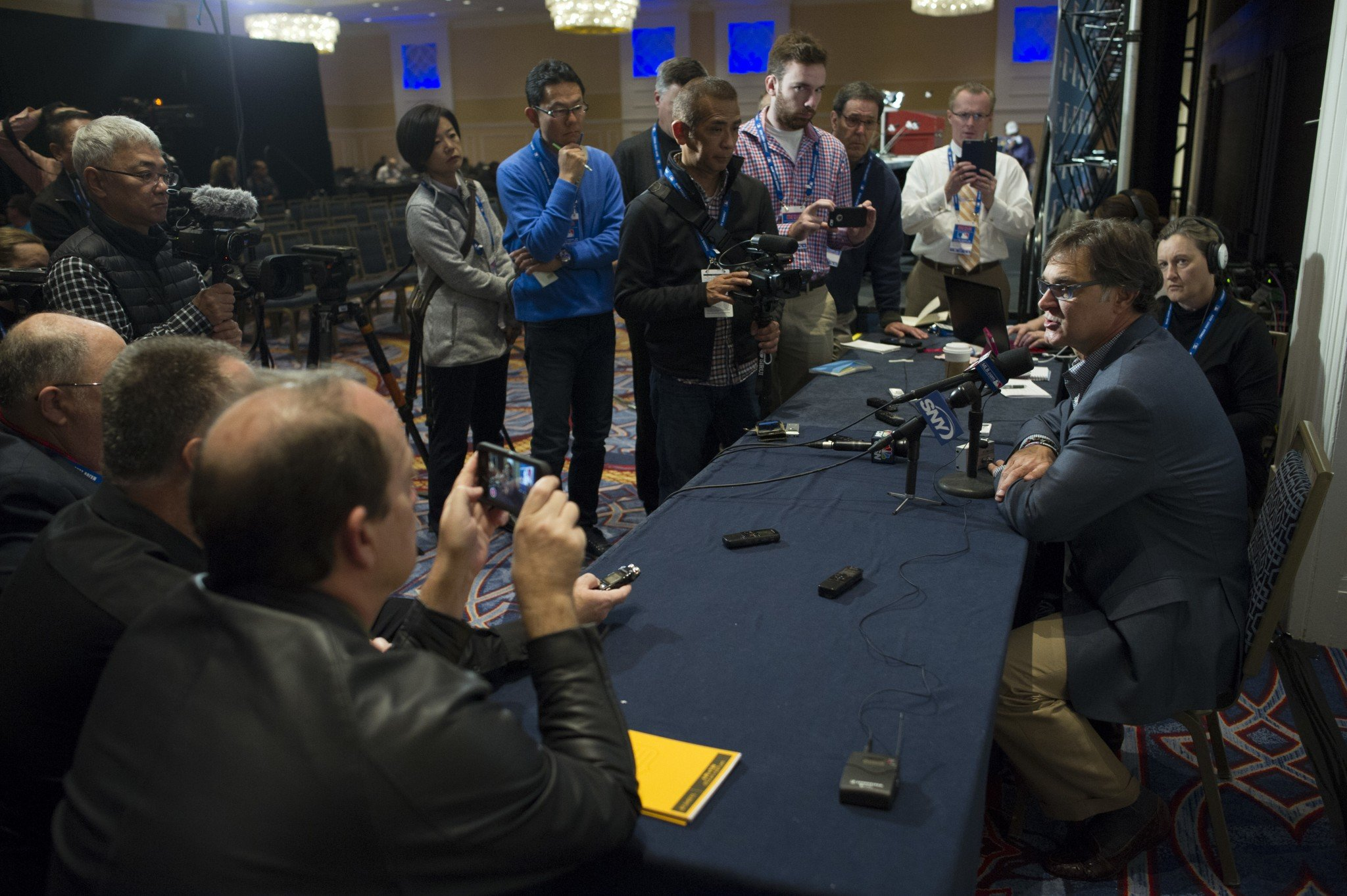 Don Mattingly's presser at the Winter Meetings on Wednesday. (AP)