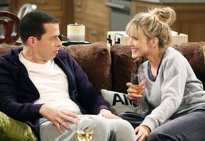 Jon Cryer and Courtney Thorne-Smith | Photo Credits: Michael Yarish/CBS