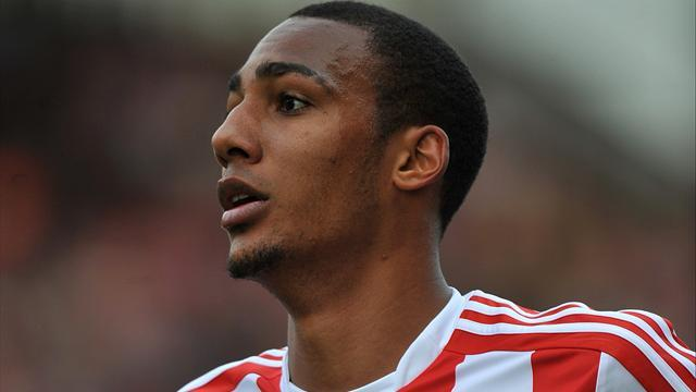 Premier League - Hughes dismisses Nzonzi exit rumours