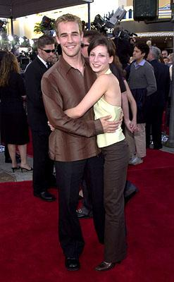 Premiere: James Van Der Beek and Heather McComb at the Westwood premiere of Paramount's Lara Croft: Tomb Raider - 6/11/2001
