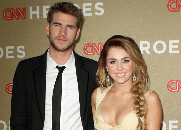 Liam Hemsworth, Miley Cyrus, engaged