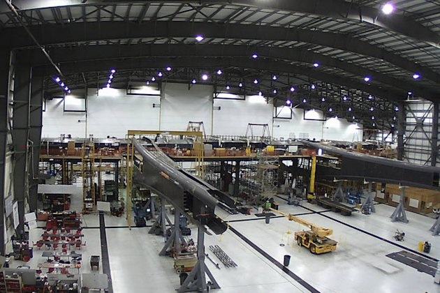 stratolaunch-largest-plane-2