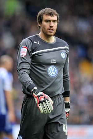 Stephen Bywater signs a new deal at Sheffield Wednesday