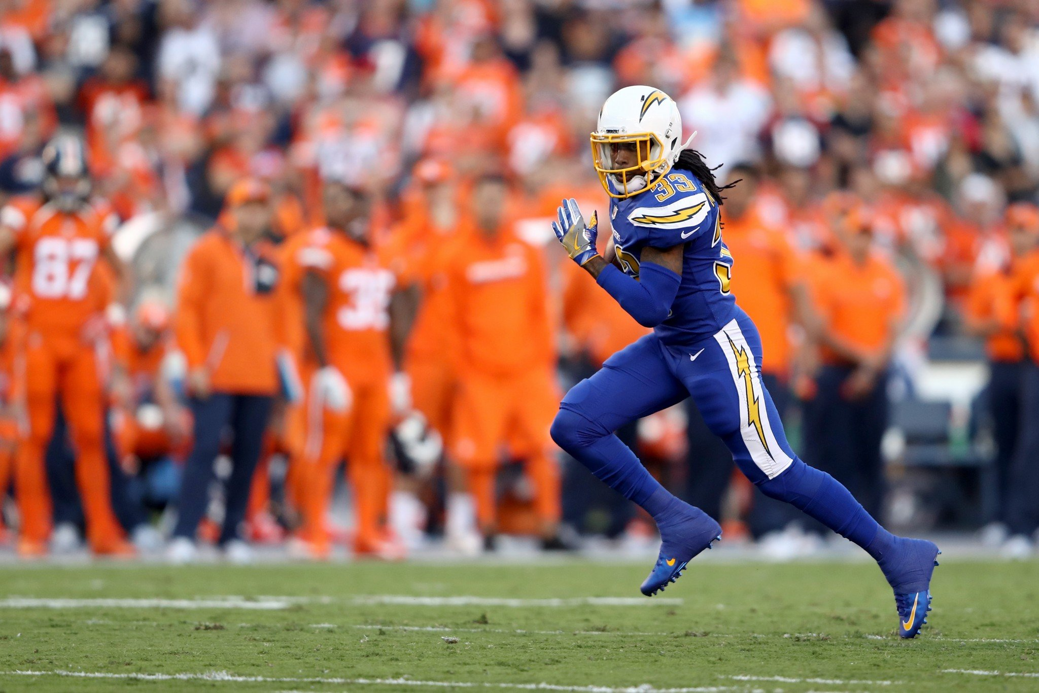 Chargers Lose Rb Dexter Mccluster To Odd Household Injury