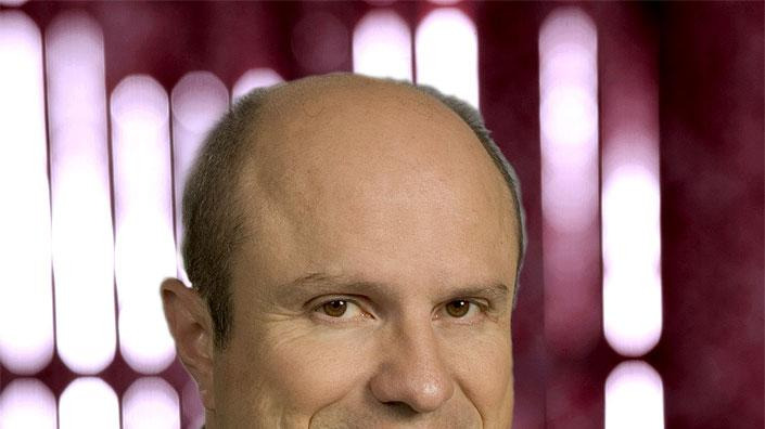 Enrico Colantoni stars as Keith Mars in Veronica Mars on The CW.