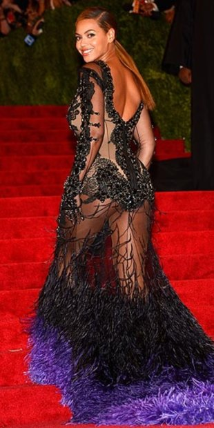 Beyonce kicked things off in a very sheer and feathered Givenchy number