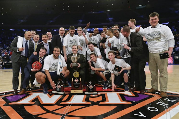 Reigning NIT champ George Washington will have a new coach next season (AP)