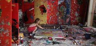 Artist Aelita Andre at work in her studio. (Photo: Screengrab/YouTube)