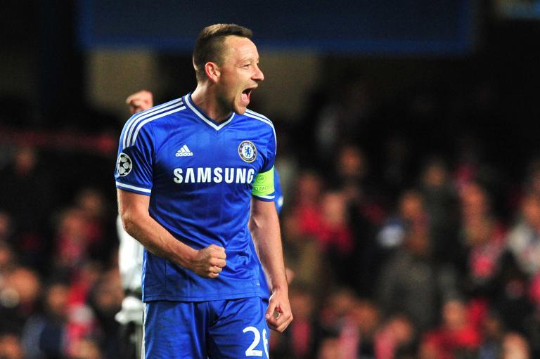 Chelsea's defender John Terry celebrates at Stamford Bridge in London on April 8, 2014