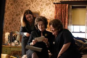 'August: Osage County' Review: Meryl Streep and Julia Roberts Go at It Like Godzilla vs. Megalon