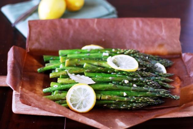 Asparagus Baked in a Paper Bag