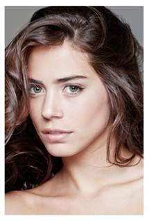Lorenza Izzo To Co-Star In 'I Am Victor', Stephnie Weir Joins 'Brenda Forever'