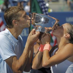 Mirnyi completes mixed doubles hat trick