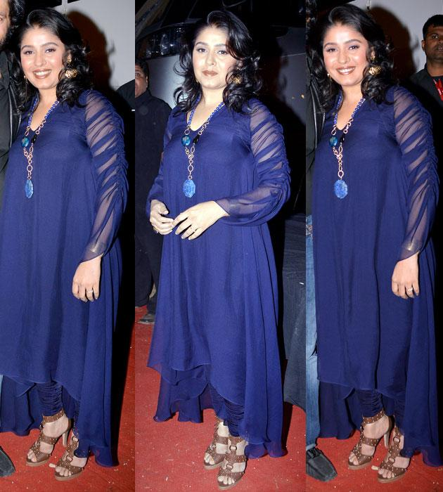 Is that a baby bump, Sunidhi?