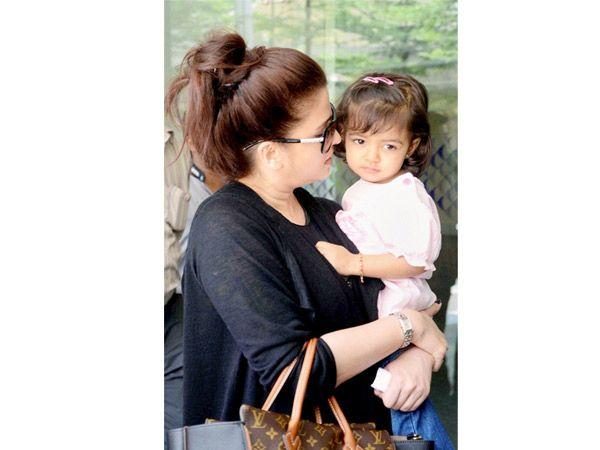 Image courtesy : iDiva.comNames: Aaradhya Bachchan Parents: Abhishek and Aishwarya Bachchan's little girl Meaning: To be worshipped or one who is worth worshipping in Sanskrit.Related Articles - Top 1