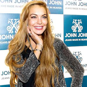 "Lindsay Lohan Tweets ""It's Official. Pregnant"" on April Fool's Day"