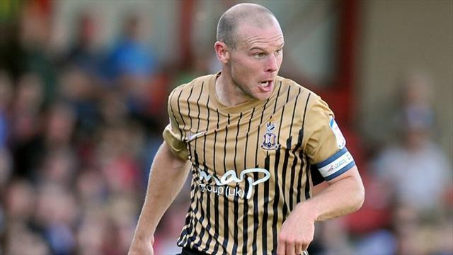 League Two - Jones signs new Bradford deal