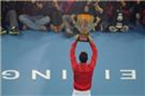 Williams and Djokovic convince in China