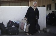 A stranded Palestinian passenger waits at Rafah crossing, between Egypt and southern Gaza Strip, with hopes of crossing into Egypt September 12, 2013. REUTERS/Ibraheem Abu Mustafa