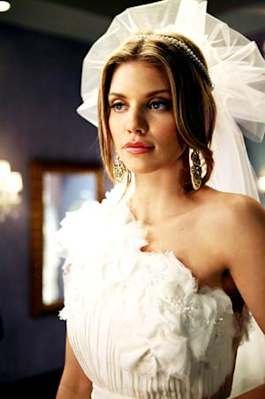 See AnnaLynne McCord's 90210 Wedding Dress!