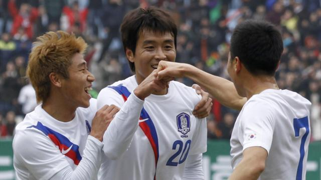 World Cup - South Korea recall Lee for Australia friendly