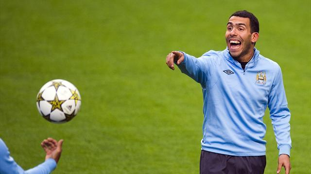 Premier League - Tevez hits out at pundit Neville