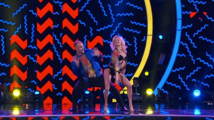 David Ross and Lindsay Arnold bust a move on week 2 of