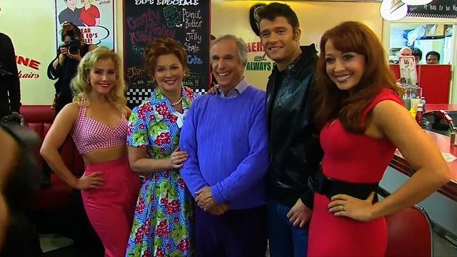 "Henry ""The Fonz"" Winkler meets cast of ""Happy Days"" musical"