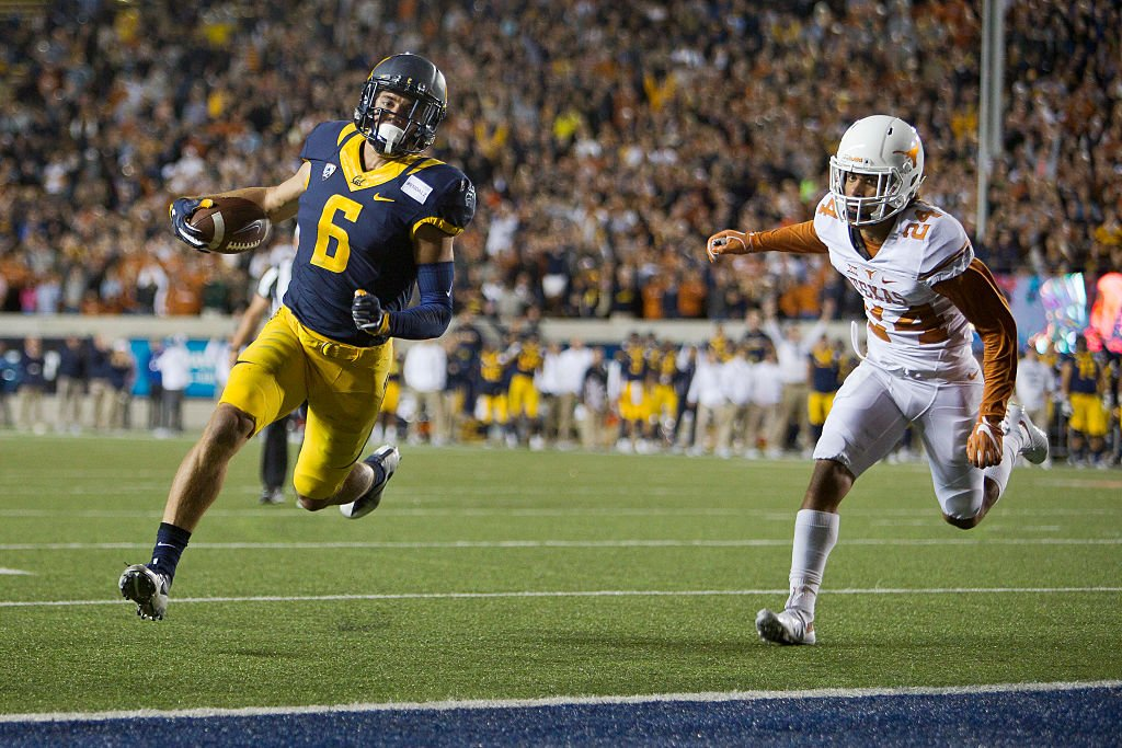 BERKELEY, CA - SEPTEMBER 17: Wide receiver Chad Hansen #6 of the California Golden Bears scores on a two-point conversion against cornerback John Bonney #24 of the Texas Longhorns in the fourth quarter. (Getty Images)