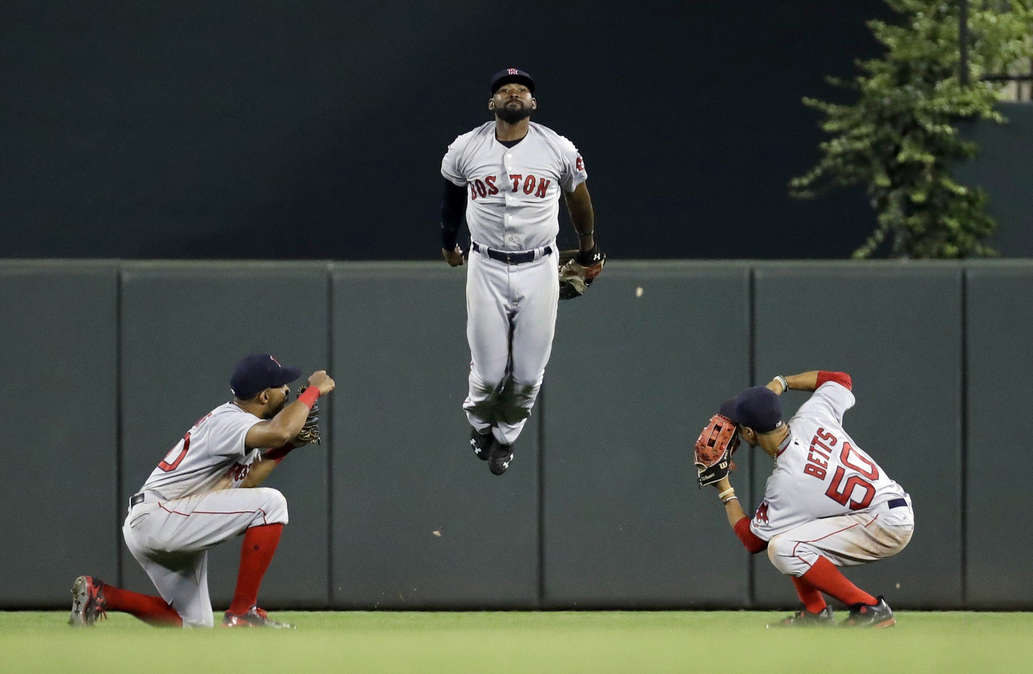 Red Sox Clinch Al East Despite Walk Off Loss To Yankees