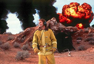 Wannabe fireman Wayne ( Seann William Scott ) has more to worry about than a fiery explosion in Dreamworks' Evolution