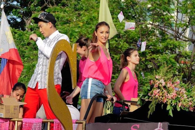 "The cast of the MMFF 2012 entry ""Sosy Problems"", Solenn Heusaff, Heart Evangelista, Bianca King and Rhian Ramos are seen as their float makes its way at the 2012 Metro Manila Film Festival P"