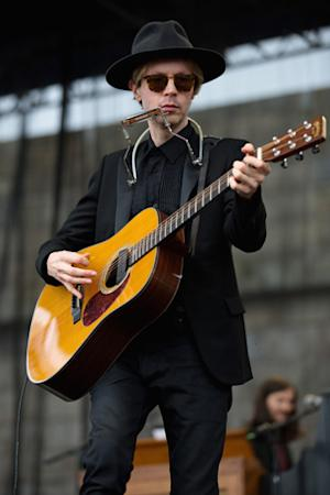 Beck Performs 'Song Reader' in L.A. With All-Star Guests