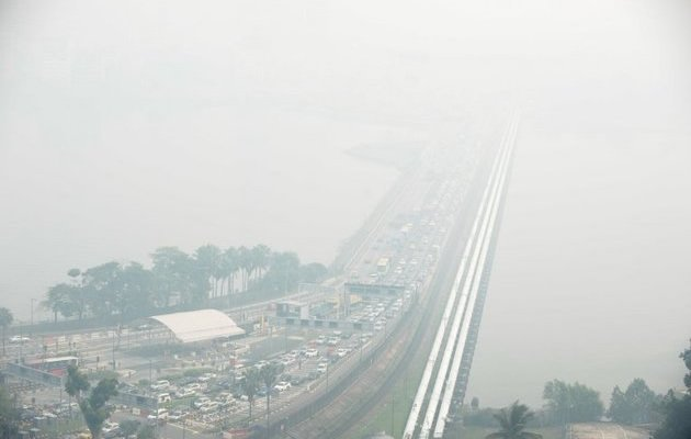 Environment and Water Resources Minister Vivian Balakrishnan has warned that the haze may worsen next week. (AFP Photo)