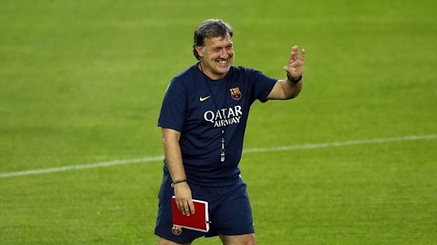 "Barcelona's Gerardo ""Tata"" Martino gestures during a training session at Camp Nou stadium (Reuters)"