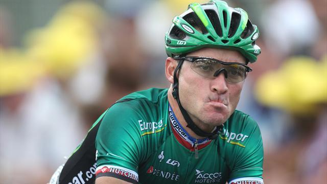 Cycling - Voeckler breaks collarbone