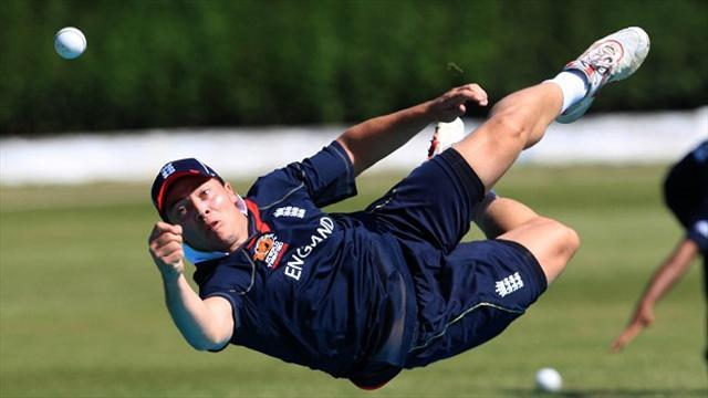 County - Napier rips through Surrey line-up as Essex earn big win