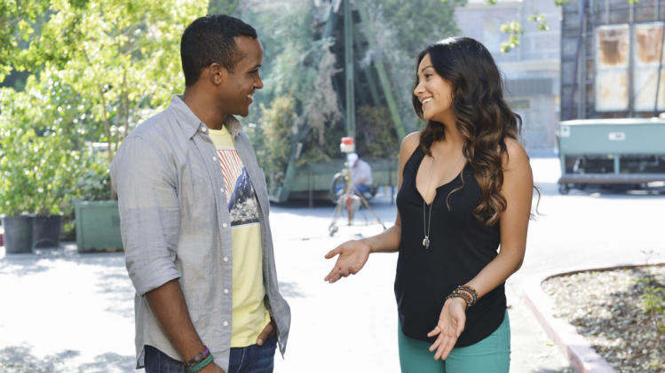 """Pretty Little Liars"" - ""Birds of A Feather"": STERLING SULIEMAN, SHAY MITCHELL"