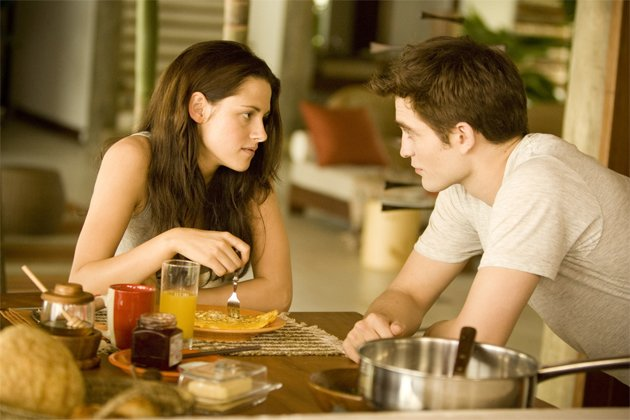 Happy couple... Twilight duo (Credit: Summit Entertainment)