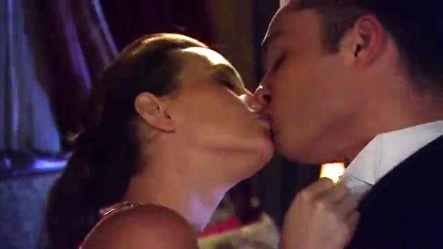 Hottest sex scene - Chuck and Blair get back together (season 6, episode 1)
