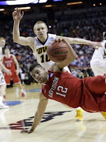 Davidson falling to Iowa took out the last two remaining perfect brackets. (AP)