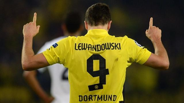 Bundesliga - Lewandowski signs five-year deal with Bayern Munich