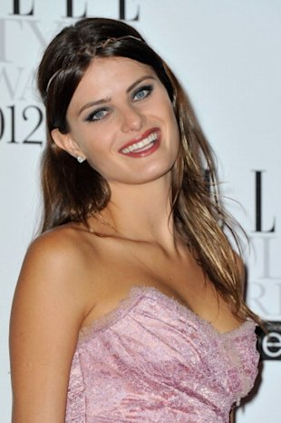 Isabeli Fontana arrives for The Elle Style Awards 2012in London on February 13, 2012. (Photo: Gareth Cattermole/Getty Images)